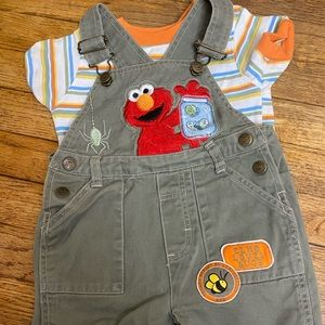 Toddler Sesame Street Elmo outfit never worn